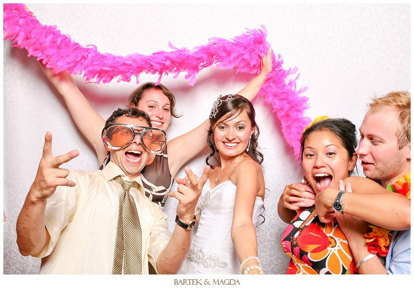 baldachin inn merrickville wedding reception photobooth